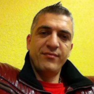 Steph, 52 ans, Schaerbeek donne avis sur gay.be