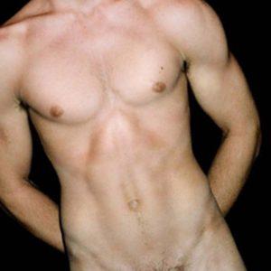 jean29 homme gay de bruxelles proche Parc du Cinquantenaire